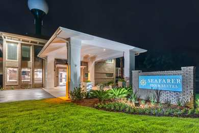 Seafarer Inn & Suites