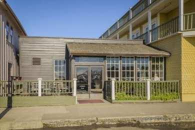 Mendocino Hotel & Garden Suites