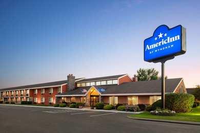 AmericInn Lodge & Suites Bemidji