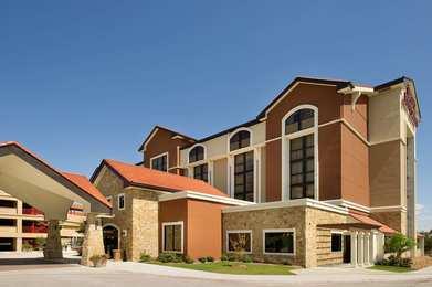 Drury Inn & Suites Airport San Antonio