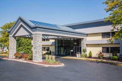 Baymont Inn & Suites West Madison