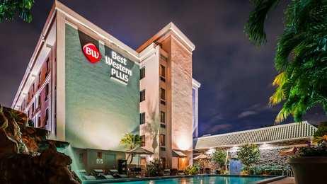 Best Western Plus Hotel Hallandale Beach