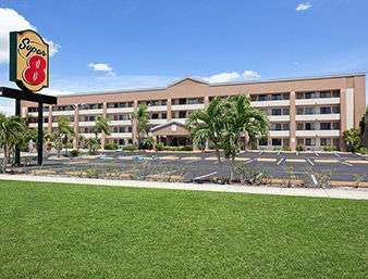 Super 8 Hotel Fort Myers
