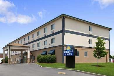 Days Inn & Suites Romeoville