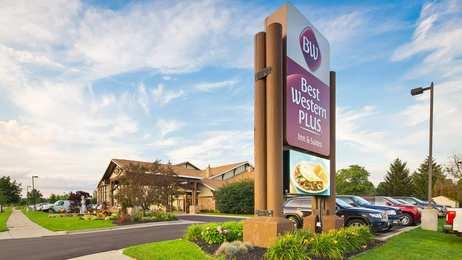 Best Western Plus Holland Inn & Suites