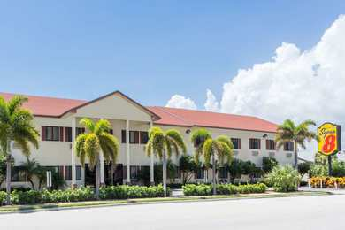 Super 8 Hotel Pompano Beach