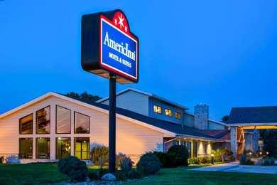 AmericInn Hotel & Suites Iowa Falls