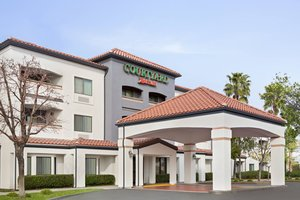 Courtyard By Marriott Hotel Palmdale