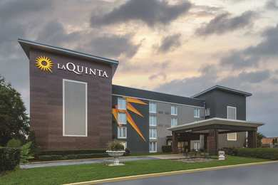 La Quinta Inn & Suites College Park