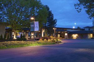 Hotels Near Eugene Airport