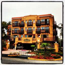 GuestHouse Inn & Suites Springfield