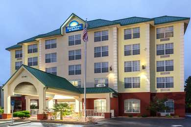 Days Inn & Suites North Tucker