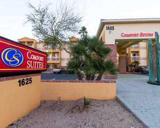 25 hotels truly closest to phoenix sky harbor airport. Black Bedroom Furniture Sets. Home Design Ideas