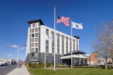DoubleTree by Hilton Hotel Logan Airport Chelsea