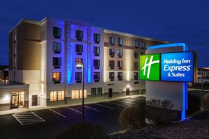 Holiday Inn Express Hotel Suites Woonsocket