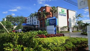 Holiday Inn Express Hotel & Suites Davie