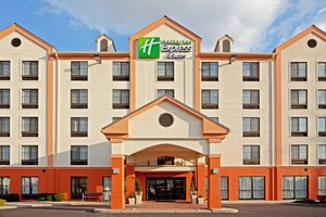 Holiday Inn Express Hotel & Suites Carlstadt