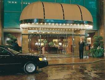 Hotels Downtown Toronto Near Ripleys Aquarium