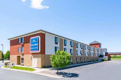 AmericInn Hotel & Suites Airport Rochester