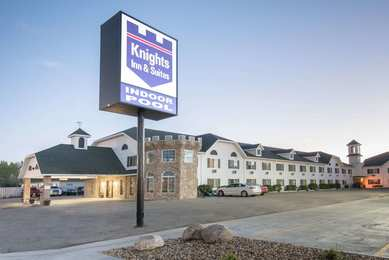 Knights Inn Suites Grand Forks