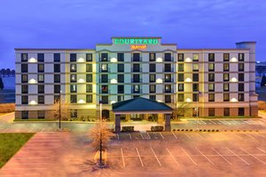 Courtyard By Marriott Hotel Airport Louisville