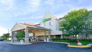 25 Hotels TRULY CLOSEST to Glenbrook Hospital, Glenview