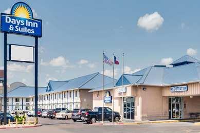 Days Inn & Suites Laredo