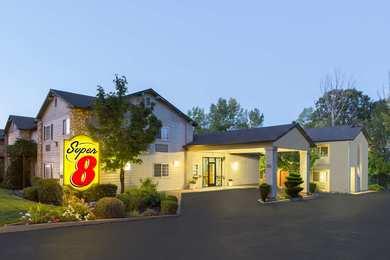 Super 8 Hotel Willits