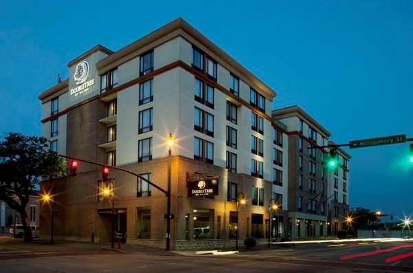 DoubleTree by Hilton Hotel Historic Savannah