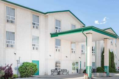 Super 8 Hotel Dauphin