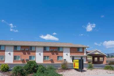 Super 8 Hotel Garden Of Gods Colorado Springs