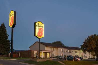 Super 8 Hotel Owatonna
