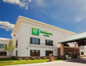 Holiday Inn Hotel & Suites Lakeville
