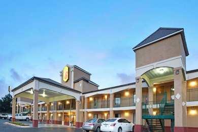 Super 8 Hotel Pearl