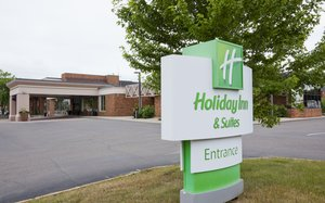 Holiday Inn & Suites St Cloud
