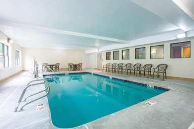 La Quinta Inn Suites Snellville