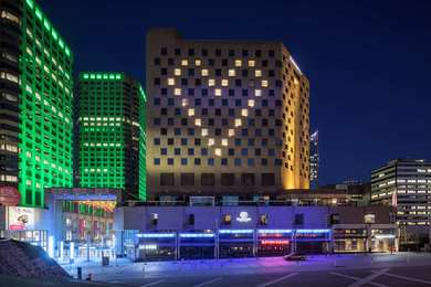 DoubleTree by Hilton Hotel Convention Centre Montreal