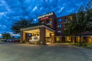Courtyard By Marriott Hotel Dfw South Irving