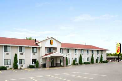 Super 8 Hotel Campus Area Eau Claire