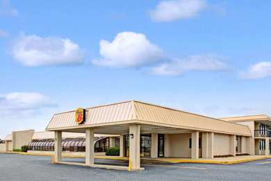 Hotels near Naval Station Norfolk - See Military Discounts