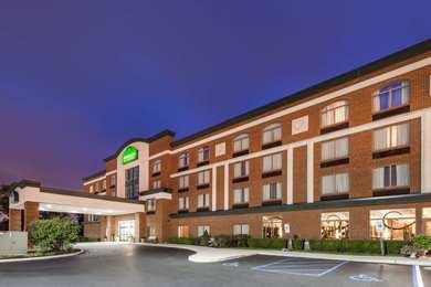 Wingate by Wyndham Hotel Sylvania