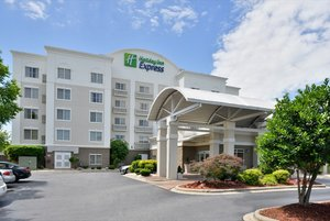 Holiday Inn Express Hotel Suites Mooresville