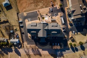 13 hotels truly closest to lawton airport hotelguides com rh hotelguides com