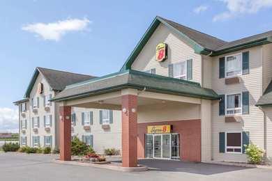 Super 8 Hotel Millbrook