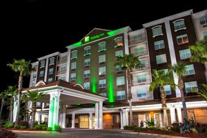 Holiday Inn Hotel Suites Lake City