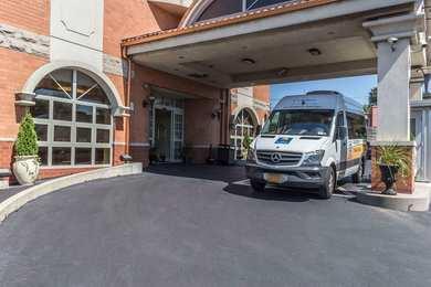 Comfort Inn & Suites Maspeth