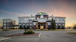 Holiday Inn Express Hotel & Suites Airdrie