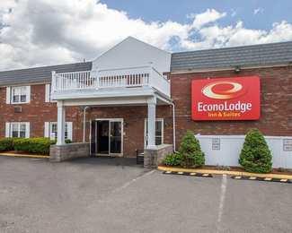 Econo Lodge Inn Suites Windsor Locks