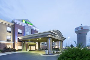Holiday Inn Express Village West Kansas City