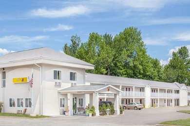 Super 8 Hotel Monticello